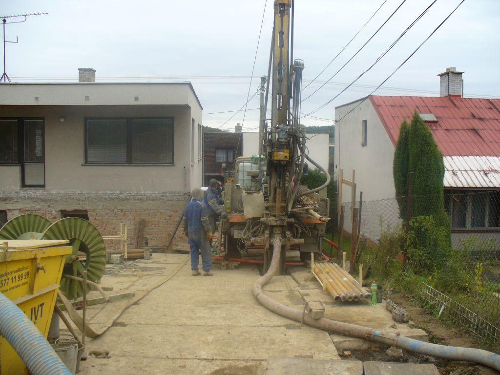 Vrtání studny zvládne firma EKODRILL. Získejte podzemní vodu i na vašem pozemku.