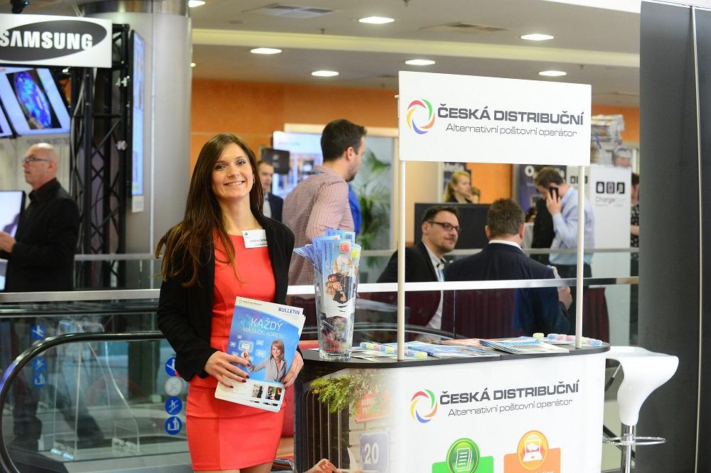 Česká distribuční poskytuje nejen roznos letáků, ale také výrobu reklamních tiskovin.