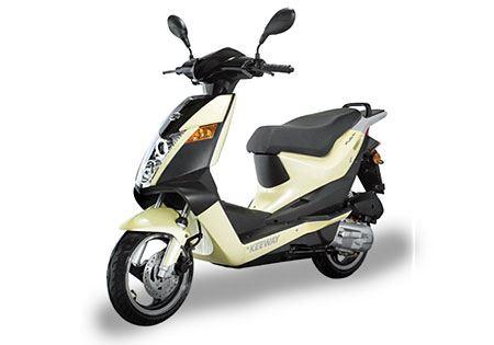 Skútry, motorky i čtyřkolky včetně příslušenství? To vše v MOTO CENTER Praha!
