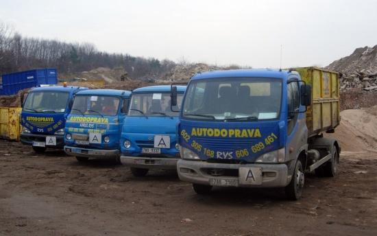 Autodoprava Karel Rys: Kontejnerov� doprava, prodej stavebn�ho materi�lu i zemn� pr�ce