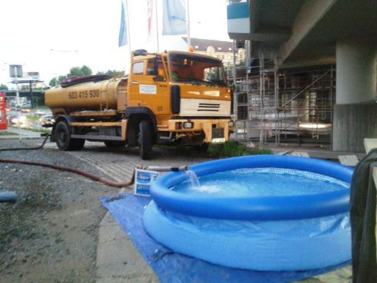 Dovoz vody do baz�nu po cel� rok