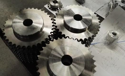 Kolmetal Kol�n: Kovoobr�b�n� na �pi�kov�ch CNC stroj�ch