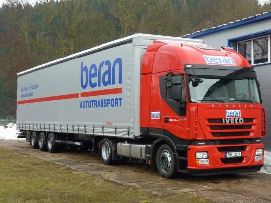 Vlastní vozový park pro mezinárodní kamionovou autodopravu