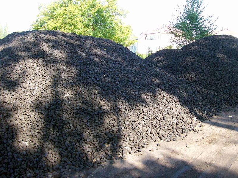 Uhlí i palivové dřevo na prodej