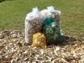 Pytle na dřevo i štěpku: Kompletní sortiment pytlů a BIG-BAG pro prodejce štípaného dříví