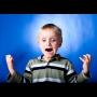 Arrabbiato con il bambino su come gestirlo e stabilire dei limiti