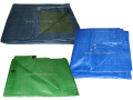 Stínovky a zakrývací plachty chrání váš majetek i soukromí