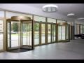 Los sistemas de puertas y portones SPEDOS permiten un importante ahorro de calor