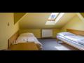 Dačický hotel U Koníčka láká k rekreačnímu či pracovnímu pobytu a stravování v restauraci