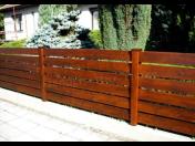 Dřevěné ploty ochrání váš objekt a dotvoří jeho celkový vzhled