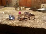 Výroba snubních prstenů a šperků na zakázku
