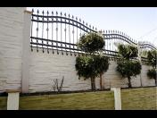 Betonové ploty už dávno nejsou jen nevzhledné šedivé zídky