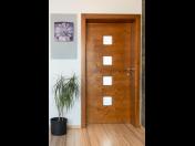 Vchodové i interiérové dřevěné dveře české výroby
