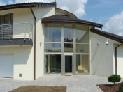 Úspora energie díky dřevěným oknům HON se solárním zasklením