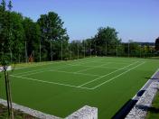 Umělý koberec Playrite je pro tenisové kurty efektivním řešením