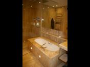 Krby, koupelny i další kamenné bytové prvky na zakázku vyrobí PRVNÍ KAMENIA CZ