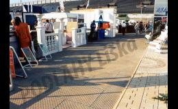 Dodáme vám moderní rozebíratelný podlahový systém zátěžových panelů.