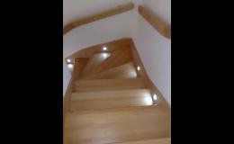 Rozmanité tvary schodišť