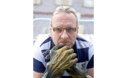 Kvalitu kurzu vám zaručuje Petr Fadrhons, maskér divadla Hybernia
