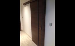 Bezpečnostní dveře od Harmonie Design mají skvělou izolaci i bezpečnostní a protipožární úpravu