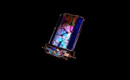 Umělecká práce s kousky barevného skla, designový kaleidoskop, Kaleidoskopy KALEIDEU, s.r.o.