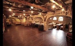 Hotel Kurdějov a.s.: školicí a konferenční prostory, vinný sklep