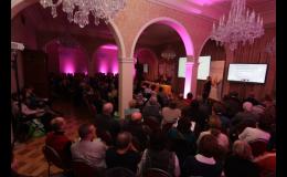 Videoprojekce na konferenci