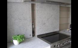 Kamenické práce od PRVNÍ KAMENIA CZ – pracovní desky na kuchyňskou linku, doplňky