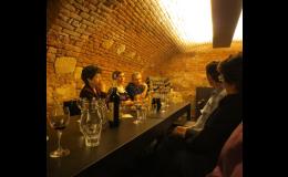 degustace vín i vinný sklep pro hosty