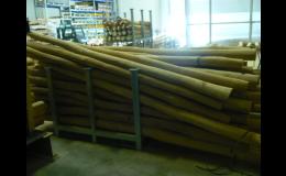 Akátové kůly, dřevěné brikety, Wood Cité, s.r.o.