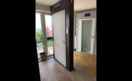 Dveře, kování, kliky - vzorkovna Praha 6