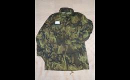 vojenské oblečení