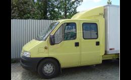 Kvalitní a odolný střešní spoiler, klimatizace i spací kabina, to je TOP Servis - Holan.
