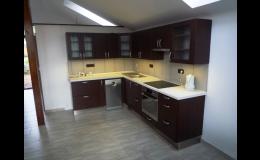 Zakázková výroba kuchyní, skříní a dalšího nábytku od návrhu až po realizaci.