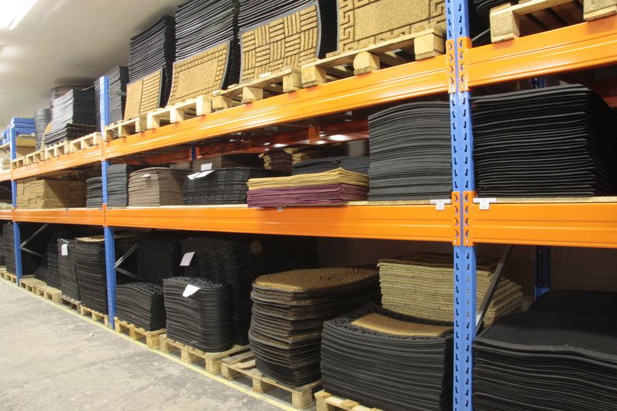 FLOMAT.cz - specializovaný prodejce rohoží, PVC podlah a podlahovin