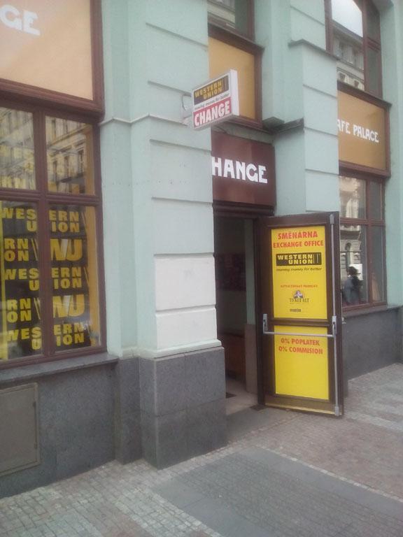 Western Union - hotovostní převody peněz do a ze zahraničí
