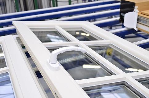 Eko-Okna - dodávka a odborná instalace plastových oken