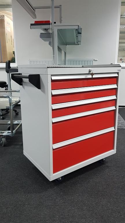 Enprag s.r.o. - Enprag s.r.o. - kovový nábytek do dílny, kanceláře, ordinace  či školy.