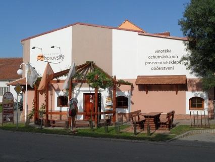 Výroba, prodej a degustace vína ve Vinařství V & M Zborovský, v.o.s.