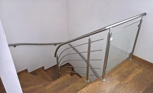 Anděl CZ, s.r.o. - nerezové zábradlí pro schodiště či francouzská okna